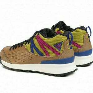 Nike ACG Mens 9.5 NWOB